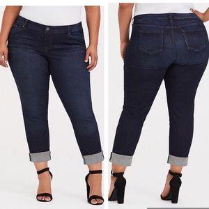 Torrid boyfriend clean dark wash jeans size 18 R